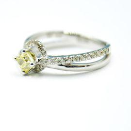 定制设计0.4克拉钻石戒指首饰找心娴珠宝