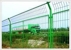 供应广特框架护栏网  外形美观耐用
