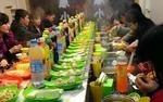 回旋小火锅设备模式新颖,菜品多种多样,好吃好玩