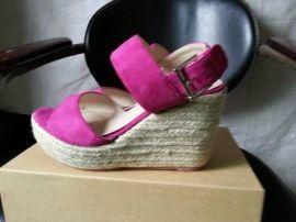 鞋廠承接來圖樣定制加工時尚女鞋