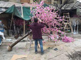 成都假桃花生产 成都桃花布置 成都假桃树生产 新年桃树布置 绵阳假树生产 四川仿真桃树