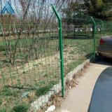 小区绿色护栏网 带弯方格围栏