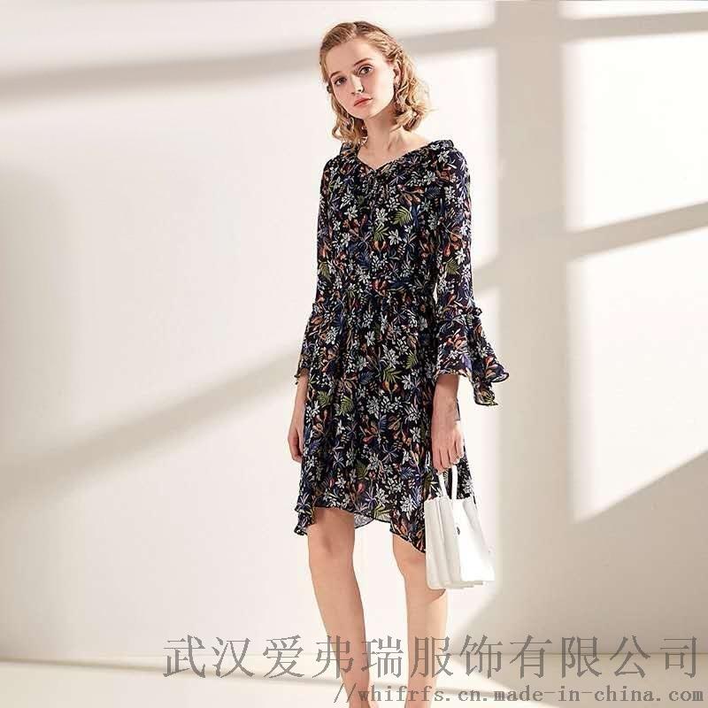 中**服装进货市场【现货】卡斯比亚秋冬碎花连衣裙