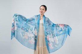 印花围巾丝巾东莞厂家批发定制 10年专注于行业领域