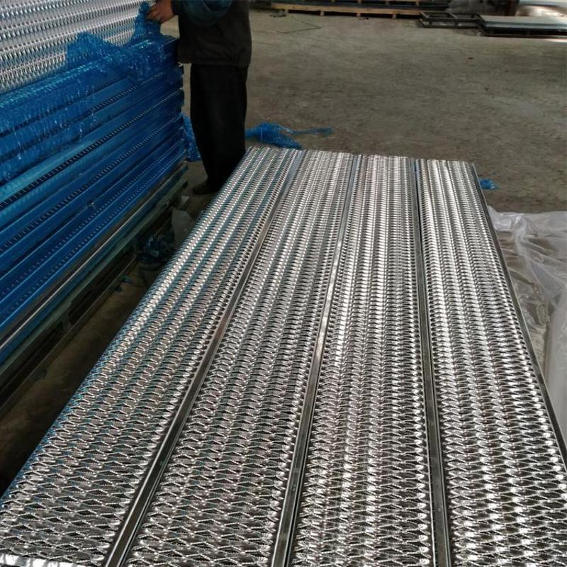 不鏽鋼防滑板 防滑板廠家 衝孔網