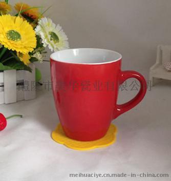 白色广告陶瓷杯 马克杯 红色釉鼓形杯 礼品陶瓷杯  可订制LOGO图案 可定制二维码