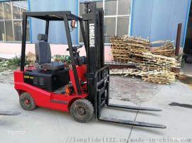 塑料厂专用龙力德电动四轮叉车2吨搬运车