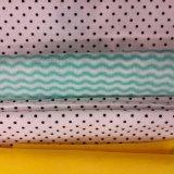 新价供应多规格高密度白色_蓝色_绿色水刺布波浪纹水刺布生产厂家