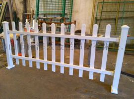 广东PVC围墙护栏塑钢栅栏草坪护栏加工护栏