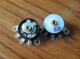 圆型旋转电位器(SJ-RV12)