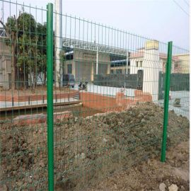 湖北双边丝护栏网 绿色防护铁丝围网 双边折弯护栏