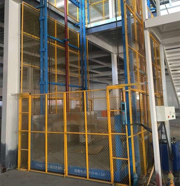 廠家直銷銀川電動鏈條式升降機,固定貨梯。