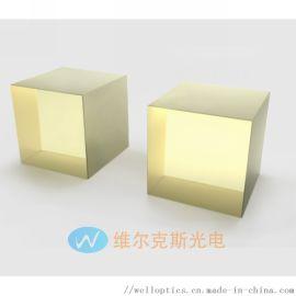 掺钬氟化钇锂晶体,是固定激光器的新兴材料