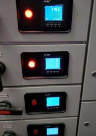湘湖牌MT4N-**-E4紧凑型数字多功能电压、频率表接线图