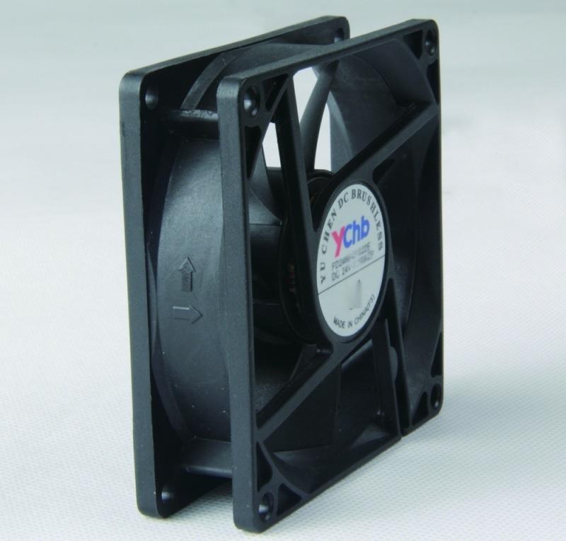 12V8025散热风扇