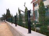 桃形柱护栏网 景观防护网小区铁丝围网 三角折网护栏网直销