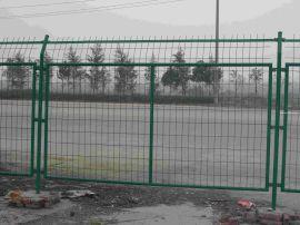 湖北龙泰百川护栏网体育场护栏网花园公园护栏网金属网