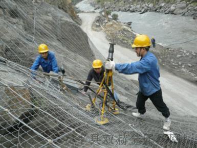 恩施山体专用环形镀锌被动防护网¥山体柔性主动防护网厂家直销