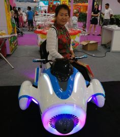 广场**双人摩托车快乐飞侠小飞机亲子游乐车