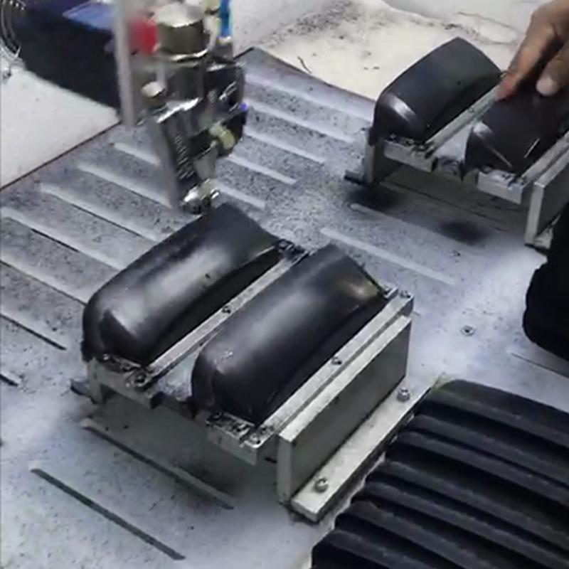 眼镜盒喷胶机数控喷胶机