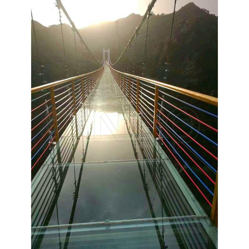 懸空玻璃棧道 高空玻璃棧道 玻璃棧道圖片