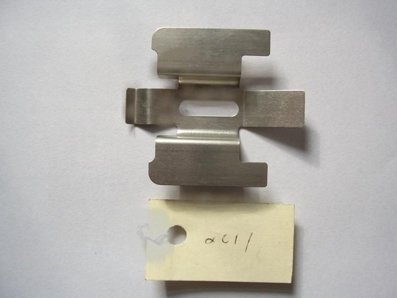 多种规格汽车刹车片卡簧 卡扣 不锈钢冲压件 异形件