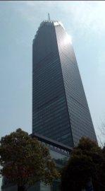 玻璃幕墙 明框隐框(325米地标民生银行大厦玻璃幕墙施工案例)