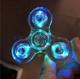 热销新款透明水晶灯LED陀螺 三叶炫彩水晶透明指尖陀螺玩具批发
