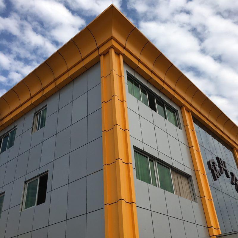 外墙弧形铝单板 黄色檐边装饰铝合金幕墙铝单板