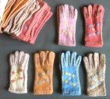 厂家生产批发最新款女装服饰手套针织保暖手工艺手套毛线手套绣花手套