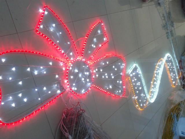 双弧过街灯,红色中国结过街灯