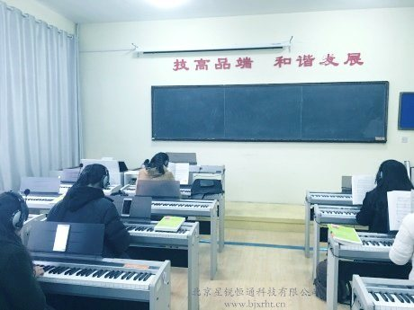 批发电钢琴教学和钢琴教学教室整套设备