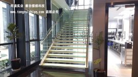 适合KTV 会所场所的发光玻璃楼梯