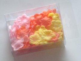 沐浴玫瑰花瓣
