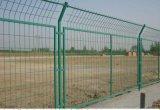 南宁宝誉包塑铁丝框架护栏网、百色框架护栏