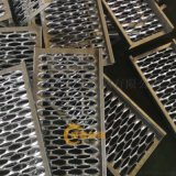 供应鳄鱼嘴防滑板加工工艺,鳄鱼嘴防滑板生产过程