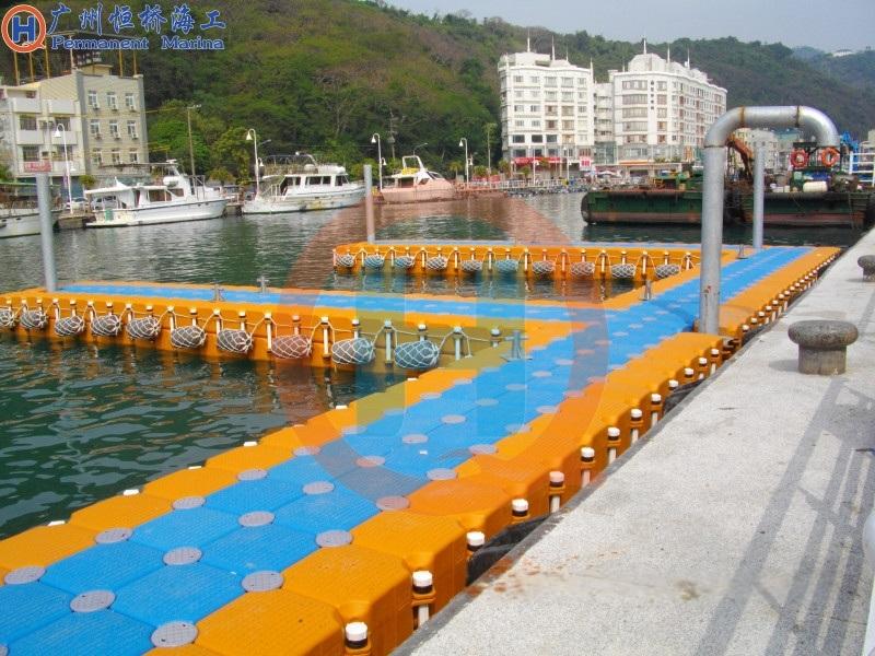 浮动码头浮筒平台抗风浪海上塑料浮筒