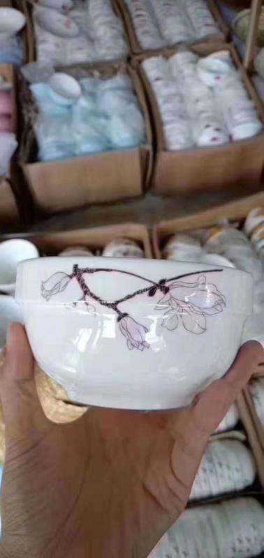 跑江湖擺地攤彩瓷花瓷白瓷食具2元模式哪余便宜