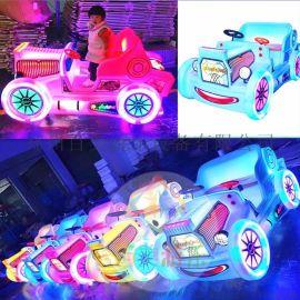 广场发光电动碰碰车小霸王车吸引小朋友排队玩