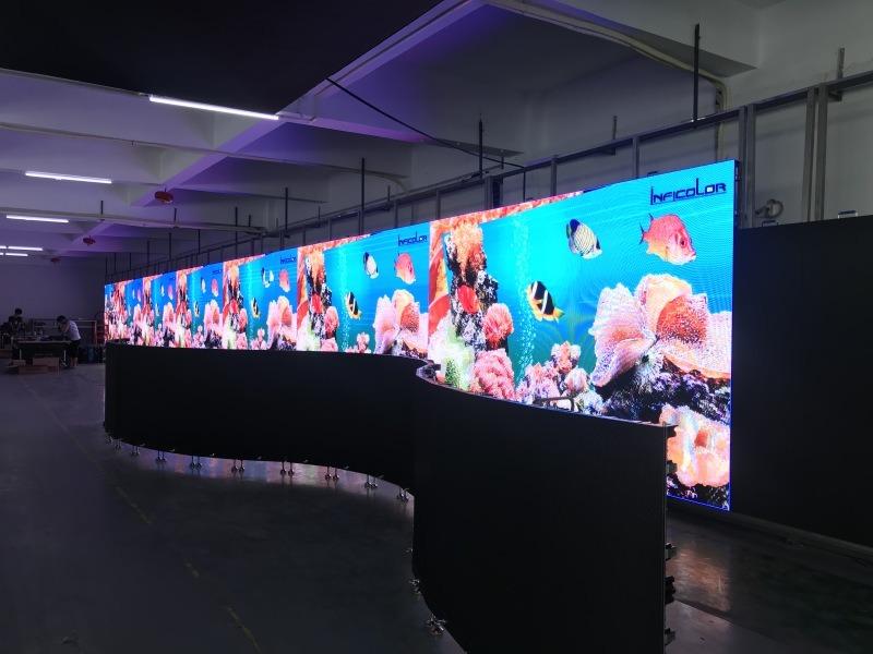 国星P**屏幕一平米多少钱,**吧P4全彩LED屏幕