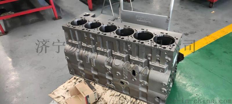 PC300-8挖掘机缸体 6D114发动机
