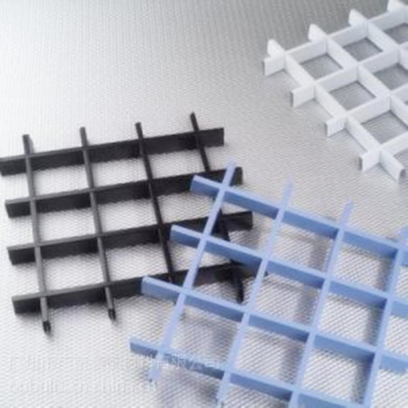 廠家定製鋁格柵天花吊頂防火裝飾吊頂木紋鋁格柵