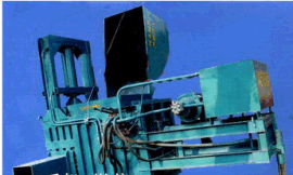 内蒙古农机推广圣鸿牌卧式液压打包机厂家直销品质保证价格低三包服务