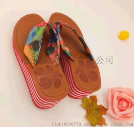 【廠家直銷】長期供應夏季坡跟時尚女款人字拖鞋,夾腳拖鞋.