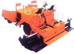 2LTLZ45型轮胎式、LTL4500、5500、6000型履带式沥青混凝土摊铺机