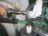 平衡手持式自动打螺丝机