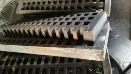 供各种高锰钢,高铬铸铁,球磨机衬板等耐磨合金铸件