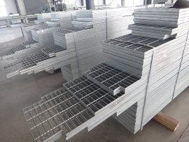 供应热镀锌格栅板,平台钢格板,踏步板,
