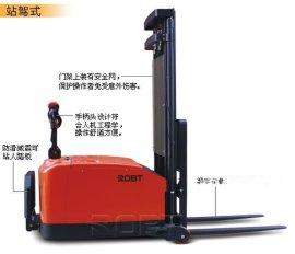 平衡重式电动堆高车 BT00808~BT00810
