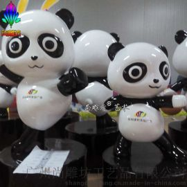 新款园林景观小品卡通熊猫造型玻璃钢雕塑   企业品牌店形象